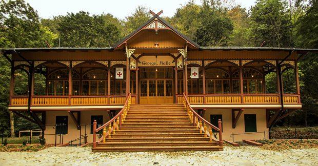 Tančírna v Račím údolí, soutěžící Obec Bernartice; Vítěz veřejného hlasování v kategorii Dřevěné konstrukce – realizace