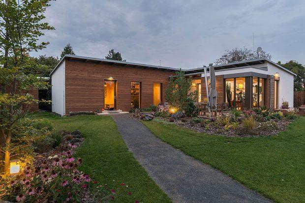 Dům v říši dřeva a rostlin, soutěžící DŘEVOSTAVBY BISKUP, s. r. o.; Vítěz veřejného hlasování v kategorii Moderní dřevostavby – realizace
