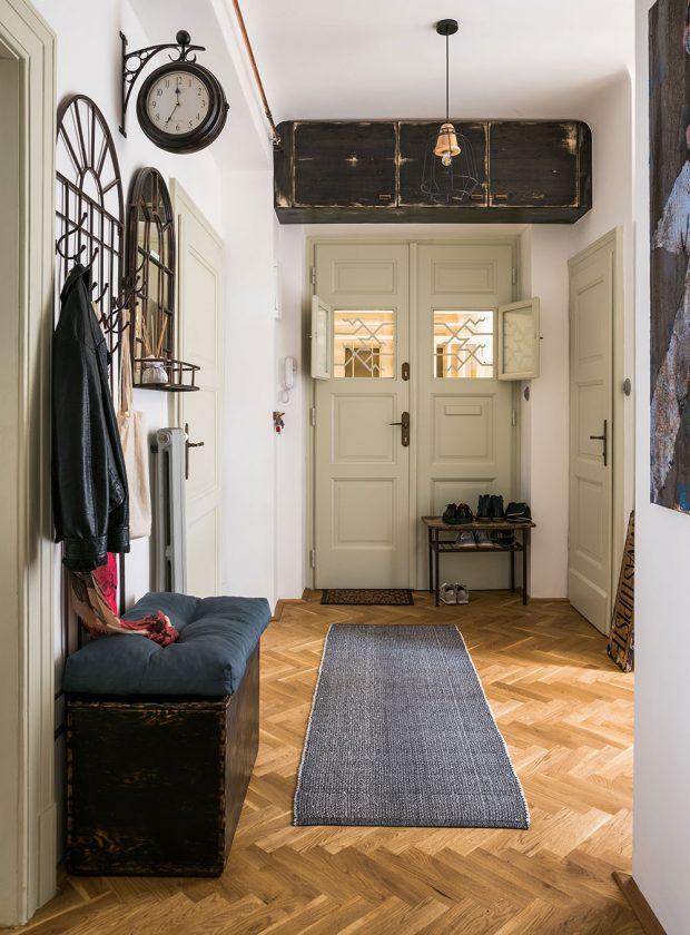 Rekonstrukce bytu trvala téměř devět měsíců – svůj čas si vyžádala nová podlaha či nové rozvody. FOTO NORA A JAKUB ČAPRNKOVI