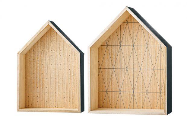 Nástěnné poličky House Cool grey, menší: výška 42 cm, šířka 30 cm, hloubka 10 cm, větší: výška 49 cm, šířka 37 cm, hloubka 14 cm, 1 234 Kč/ kus, www.nordicday.cz