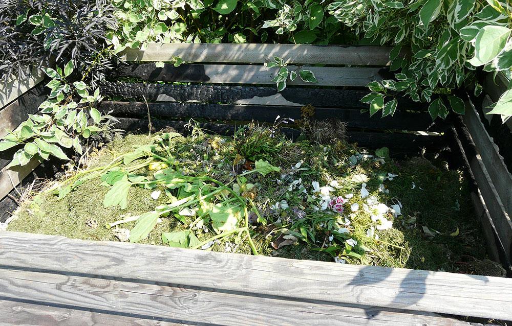 Efektivní hospodaření na zahradě, aneb jak založit kompost