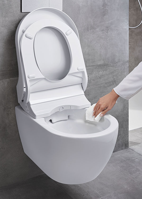 Údržba sprchovacího WC je velmi snadná díky Rimfree® míse bez okrajů. zdroj Geberit