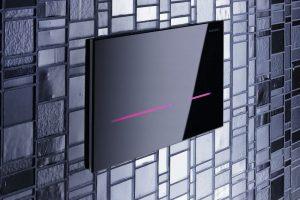Bezdotyková Sigma80 umožňuje zvolit si barvu podsvícení podle momentální nálady. FOTO GEBERIT