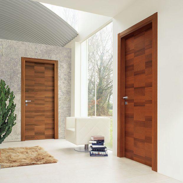 Dřevěné dveře Urban od Ghizz & Benatti, design Perusco- Sartori, doplněné klikou Maniglia od Olivari, cena na dotaz, www.ghizziebenatti.it