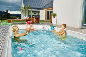 Plavecký bazén s protiproudem Swim Spa M, pozvolný vstup do bazénu, trysky pro základní hydroterapii, protiskluzová podlaha, cena na dotaz, www.usspa.cz