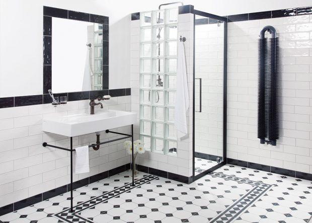 Geometrický design dlažby Realonda Octagon Black se krásně snoubí s industriálními zařizovacími prvky, 33 x 33 cm, cena 599 Kč/m², www.siko.cz