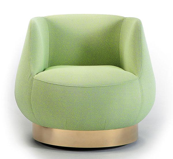 Křeslo Magnum (Sancal), design Estudihac JM Ferrero, látkový potah, Ø 78 cm, v. 69 cm, cena od 52 400 Kč, www.onespace.cz