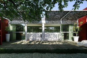 Rodinný dům měl před rekonstrukci spoustu nedostatků. Jak si s nimi architekti poradili?