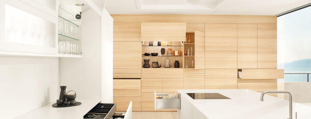 Proč mít výklop v horních skříňkách v kuchyni