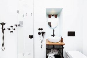 Komfortně zařízená koupelna je součástí soukromých pokojů. Společné ložnice nicméně nabízejí stejně s citem vybavené koupelny pro dámy a pro pány. FOTO JOSEF KUBÍČEK