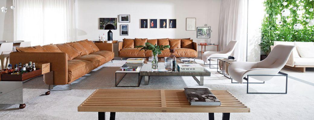 Neoklasicistní byt se proměnil v moderní vzdušný prostor, kde se daří rostlinám