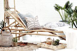 Plážové lehátko Mandisa (Lene Bjerre), bambus, 200 x 70 x 30 cm, cena bez dopravy 4 800 Kč, www.houseology.com