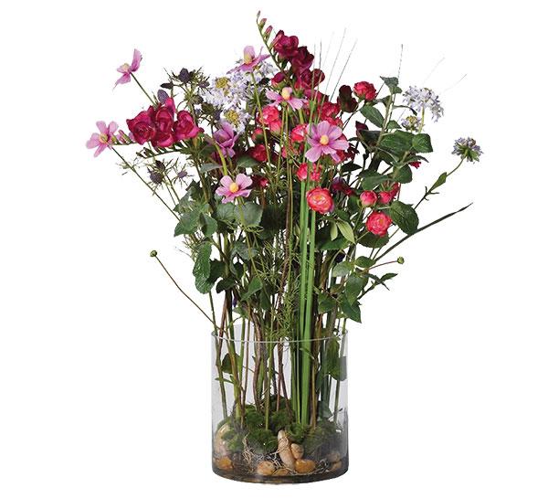 Květinové aranžmá ve váze, květy z hedvábí, váza plast, v. 67 cm, cena 7 750 Kč, www.whitehome.cz