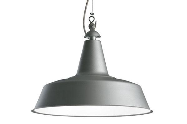Závěsné svítidlo Huna (Fontana Arte), ikonická lampa z roku 1965, lakovaný kov, Ø 40 cm, v. 30 cm, délka kabelu 200 cm, cena 7 493 Kč, www.hagos.cz.