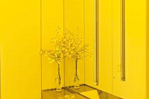 Architekti si pohráli sodrazy abarevným zrcadlením. FOTO RUI TEIXEIRA
