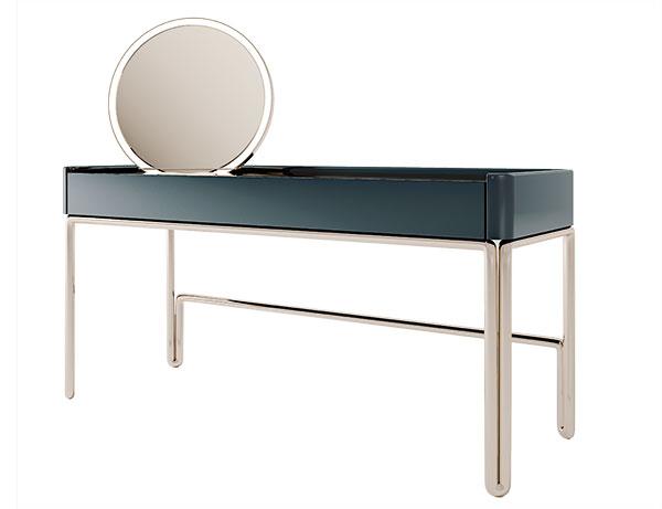 1 Toaletní stolek Pipe Vanity (Clan Milano), kostra z pozlacených trubek, cena na dotaz, www.clanmilano.house
