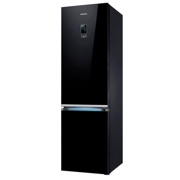 SAMSUNG RB37K63632C kombinovaná chladnička s mrazákem zapadne do moderního interiéru, SpaceMax , NoFrost , All Around Cooling - rovnoměrné chlazení celého prostoru, energetická třída A++, šířka 60 cm, výška 200,7 cm, cena 29 990 Kč, www.samsung.com