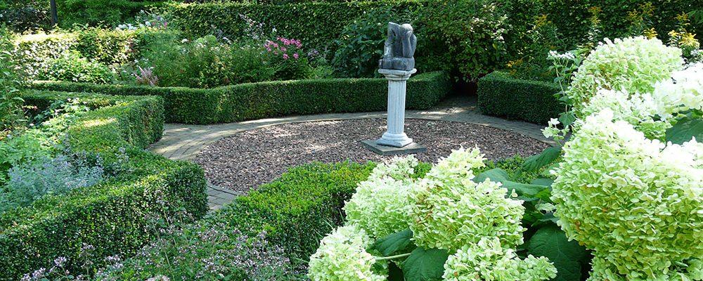 Keře, které zkrášlí každou zahradu