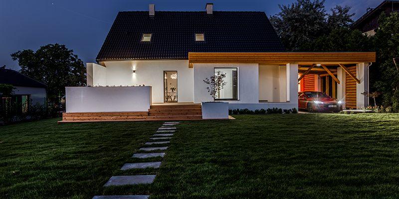 Rekonstrukce vily v Hovorčovicích dala vzniknout modernímu rodinnému bydlení