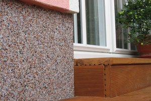 Důležitý detail energeticky úsporných domů – zateplení soklu