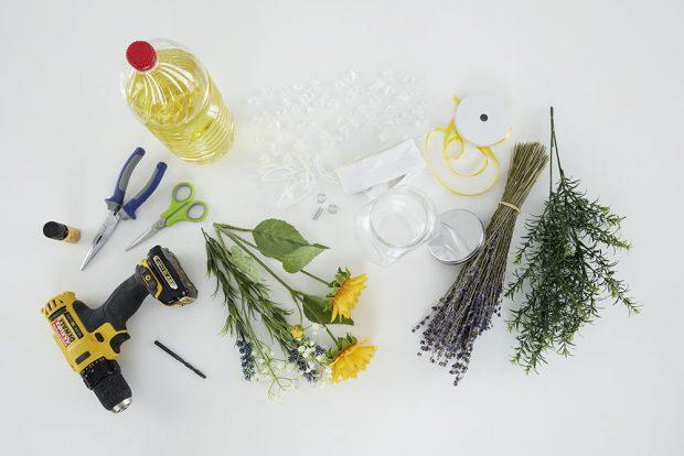 PŘIPRAVÍME si skleněnou nádobu (sklenici nebo láhev). Foto MÖBELIX