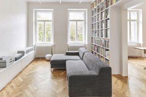 Rekonstrukce historického bytu se zaměřením na využití jeho velkorysosti a zachování původních prvků