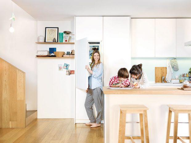 Do kuchyňského ostrůvku můžete šikovně zabudovat všechny domácí spotřebiče, což přispěje kefektivitě práce akuchyňská linka může pak plně sloužit kukládání. www.gorenje.cz