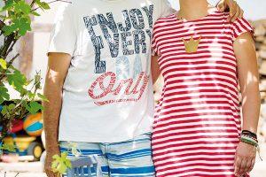 Šťastný pár. Uspěchaný život vkorporacích vyměnili za klidné dny vpřírodě plné barev. FOTO VENTURA PICTURES
