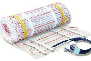Topné rohože Ecofloor pro poloakumulační vytápění jsou uložené ve vrstvě tepelně vodivého materiálu. Jsou charakteristické snadnou arychlou instalací avhodné jsou zejména jako hlavní systém vytápění. Kabel je umístěn vdostatečně silné vrstvě, která zajistí rovnoměrné rozložení teploty. Upoloakumulačních aakumulačních systémů je nutné dodržet při prvním uvedení do provozu tzv. režim prvního zátopu. www.fenixgroup.cz