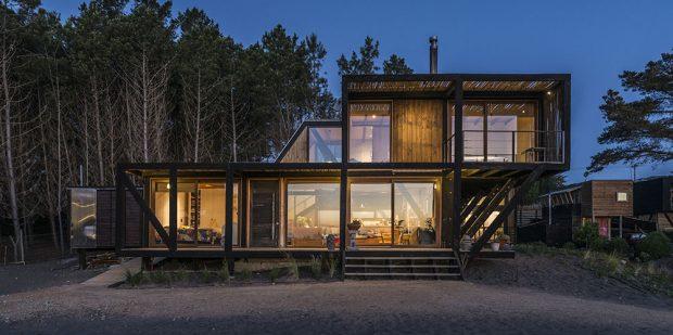 Atraktivní bydlení v modulárním domě s výhledem na vodní hladinu