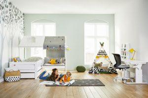 Kompozice dětského pokojíku (Lifetime), kde nechybí ani postel ve tvaru plážového domku a indiánské týpí, nábytek je vyrobený zborovice, velikost postele je 181 x 207 x 207 cm, www.girafa.cz FOTO LIFETIME KIDSROOMS