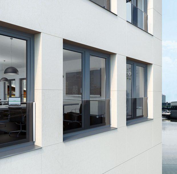 Transparentní skleněná zábrana Schüco neruší výhled ani vzhled fasády. foto Schüco