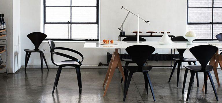 Dřevěná židle s opěrkou: Zhmotnění nábytkářského důmyslu i elegance