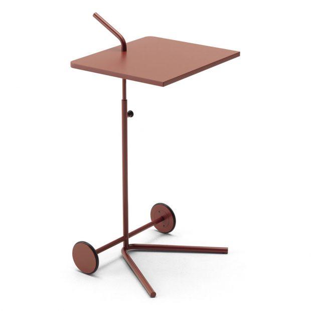Odkládací stolek Bond (COR), design Miriam Aust, kov, 45 x 49 cm, cena na dotaz, www.stopka.cz