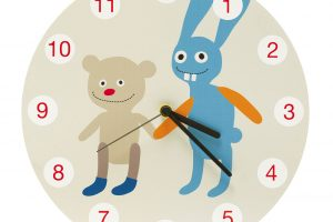 Nástěnné hodiny Tom Rockets (Lavmi), plast, Ø 29 cm, 960 Kč, www.lavmi.cz