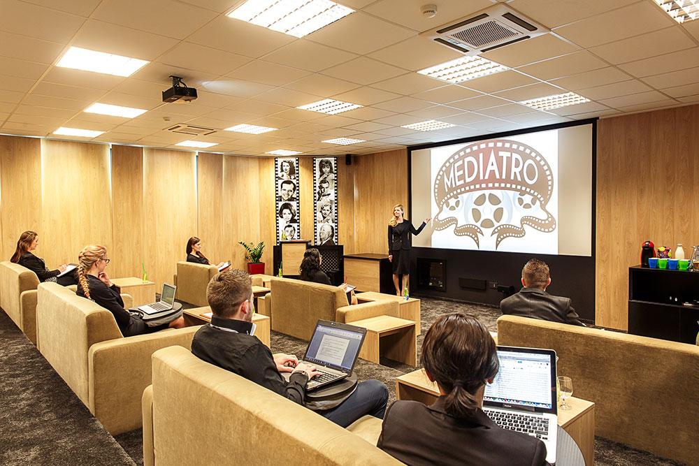 Konference, semináře a akce NEJEN VE VELKÝCH sálech
