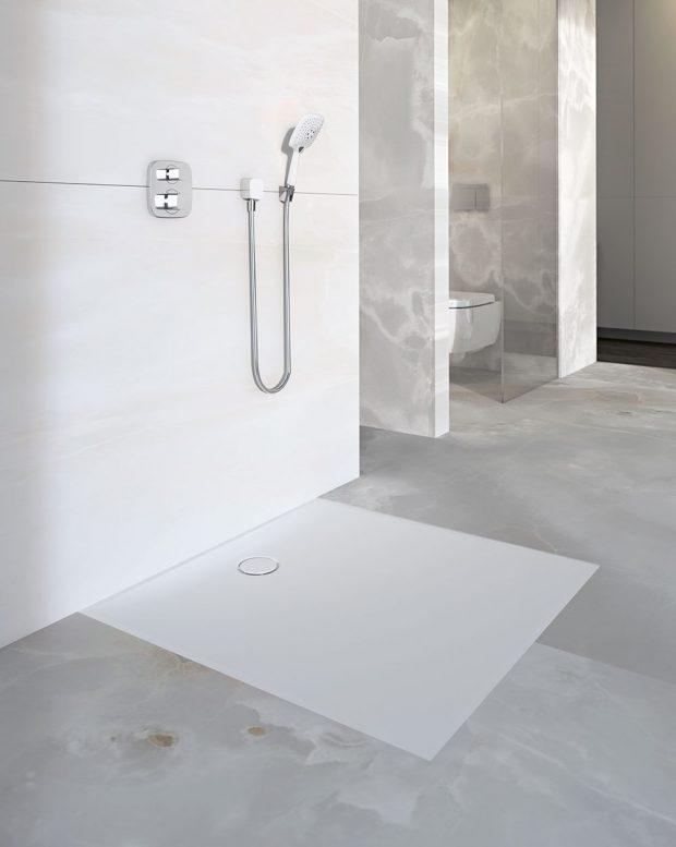 Více flexibility Nová plochá sprchová vanička Geberit Setaplano nabízí výrazně více flexibility při navrhování koupelny.