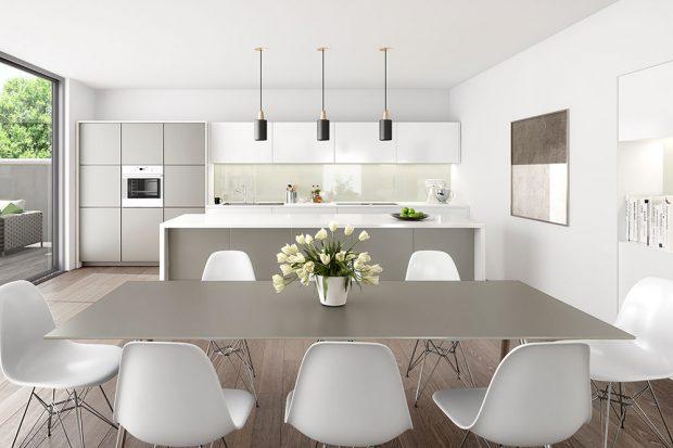 Foto: © AGC Glass Europe, obklad stěny za kuchyňskou linkou, skleněný stůl v matném provedení, Matelac T Moka a Lacobel T White Oyster