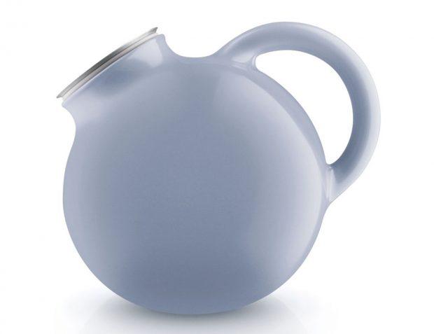 Konvice na čaj Globe Nordic (Eva Solo), modrá, objem 1,4 l, 1 986 Kč, www.decoronline.cz