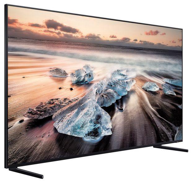Doporučená maloobchodní cena modelu Q900R je 129 990 Kč za velikost 65', 179 990 Kč za 75' a 389 990 Kč za televizor s úhlopříčkou 85'. FOTO Samsung