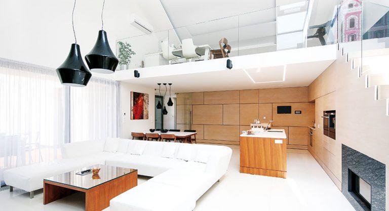 Elegantní městský dům pro třičlennou rodinu s dospívajícím synem