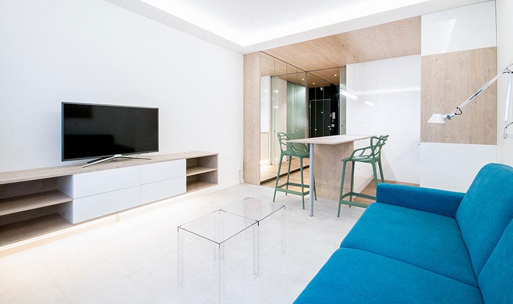 Jak udělat na 24 metrech čtverečních obyvatelný a plně funkční byt?