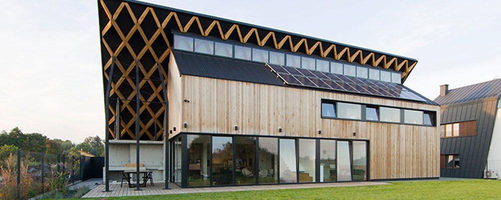 Díky zelené střeše je tento dům téměř neviditelný!