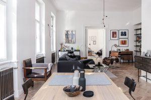 Kouzelný interiér bytu ve vinohradském činžovním domě