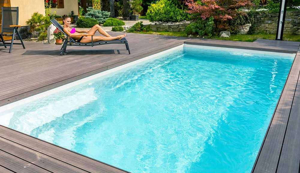 Keramické bazény Compact mají příjemné odpočinkové zóny a vynikají vysokou odolností a nadčasovým designem. Na snímku model s lákavým názvem Diamant. zfroj Moutfield