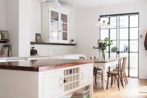 Obdivuhodná proměna tmavého a nepraktického bytu: Moderní design s viktoriánskými prvky