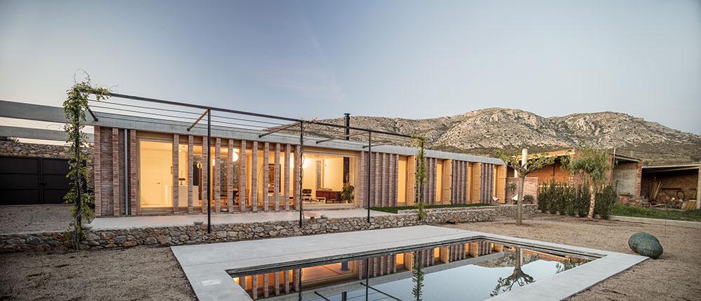 Dům v souhře s přírodou šetří náklady