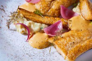 V Art & Food Had se vaří z těch nejlepších surovin. Tomu odpovídá i způsob, jakým je jídlo na talíři prezentováno. FOTO JIŘÍ HURT