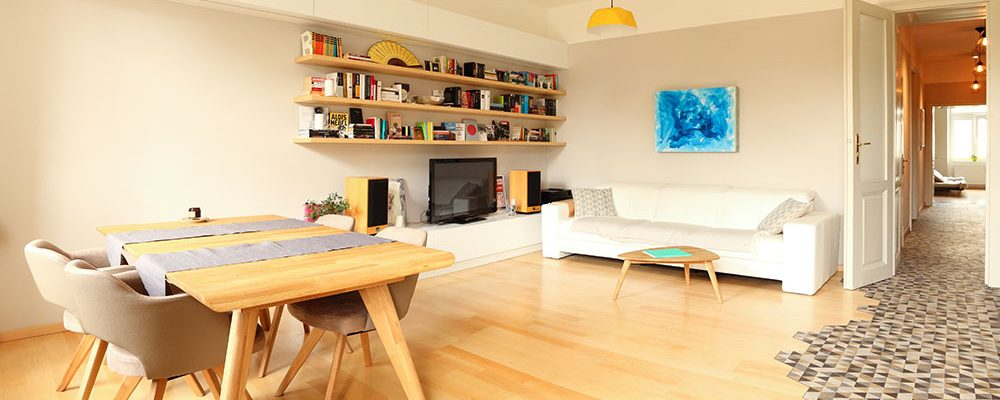 Starý byt v Brně po proměně: Dlažba jako důležitý prvek členění prostoru