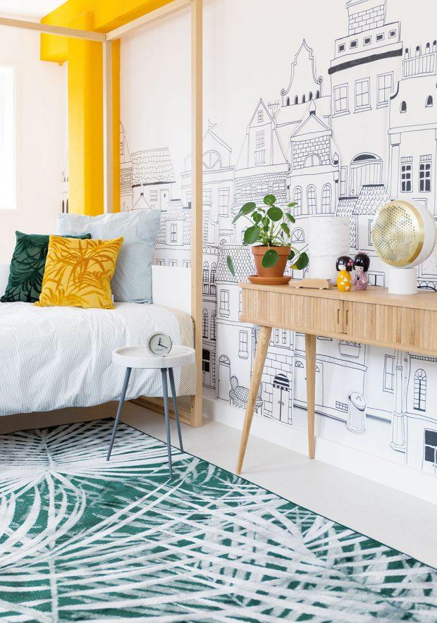 Nebojte se vzorů. Přírodní motivy neztrácí na oblibě. Vzorovaný koberec Palm By Day (Zuiver), 170 x 240 cm, 6 859 Kč, www.bonami.cz